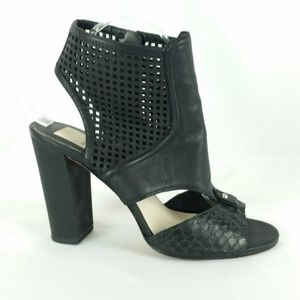 Dolce Vita 9 Black Leather Laser Cut Sandals S17-8